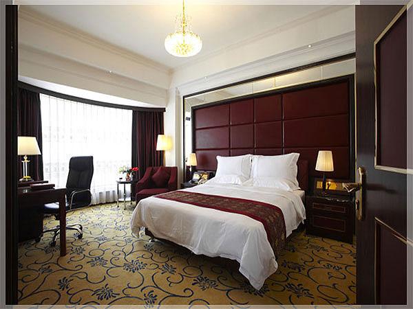 Desain interior kamar tidur hotel minimalis sederhana mewah for Dekor kamar tidur hotel