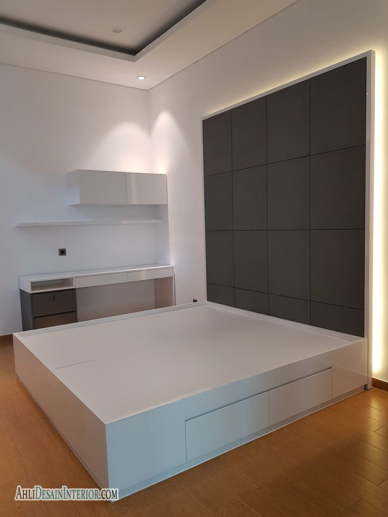 desain kamar tidur nuasan putih abu abu